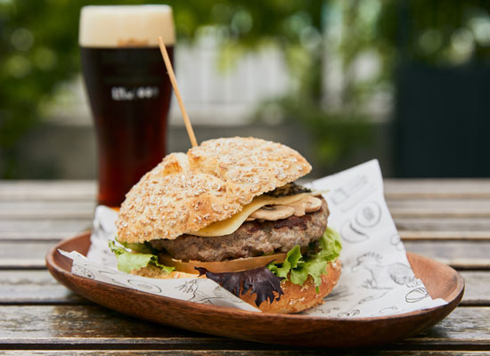 Burger TRUFADA: Lechuga, Champiñones, Queso ECO y Tartufada